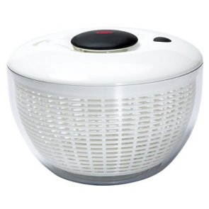 OXO Salad Spinner - never have to deal with water on your Romaine Lettuce after washing them!